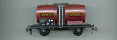 Playcraft ref. P.643 2 axles barrel wagon E 762100 « WINES from France »
