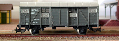 Jouef ref. 6825 2 axles covered wagon Gs 01 82 12 01 233-2 CFL type Europ