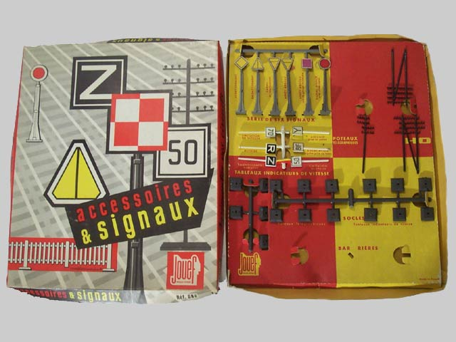 Jouef ref. 686 B set of telegraph poles, mecanic signals, speed limit indicators and fences